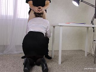 Teen teacher left the student after lessons - fuck on table