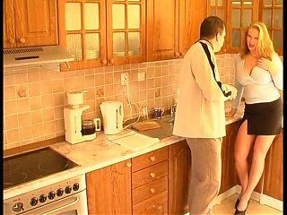 Sie kam nicht zum kochen, das sah ich sofort - 80er Retro