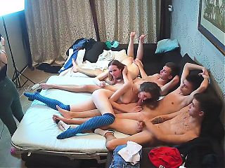 The Crazy Teenagers – Russian 5some Group Cam Show Action